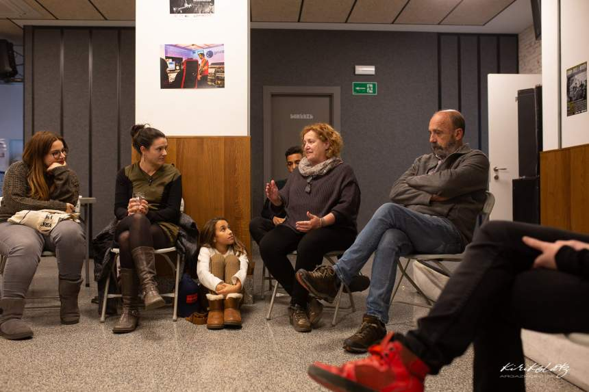 Charla de Maite Echarte y José Palazón: Foto Kirikolatz Argazkigintza