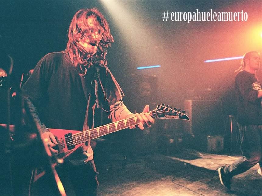 Javi Zurbano guitarrista de Flitter - Europa huele a muerto