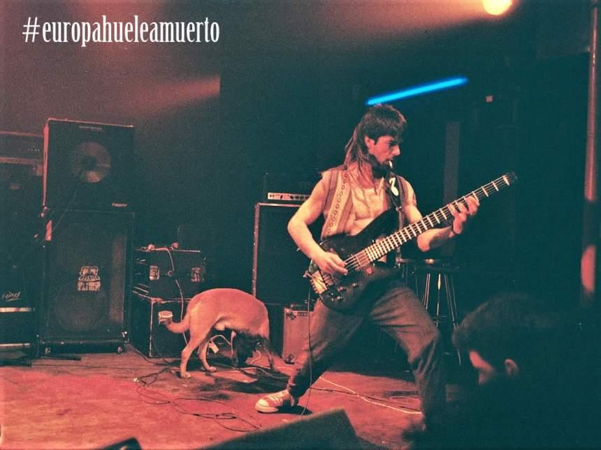 Oskar Yaben ex bajista de Flitter - Europa huele a muerto